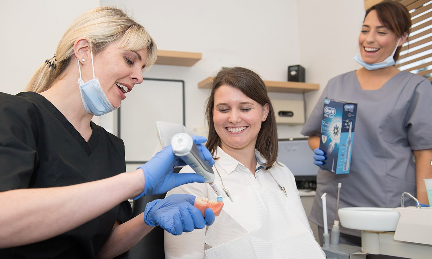 Hygienist With Brushing Technique