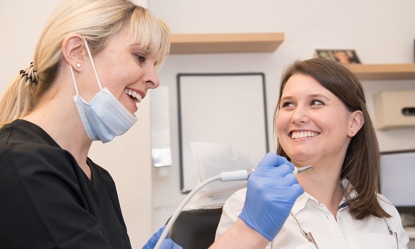 Hygienist With Airflow